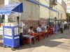 Saigon_streetside_vendors